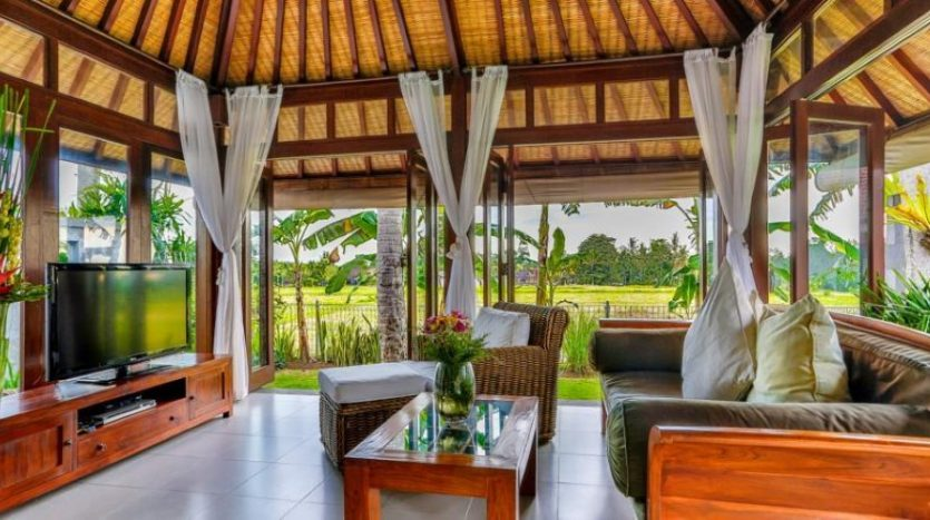 Cozy holiday resort in the middle of the rice fields