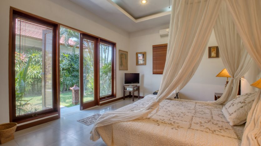 Guest Bedroom- Leasehold/Freehold Beautiful Villa in Beachside Sanur